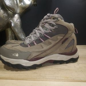 Womens NorthFace boots sz8.5